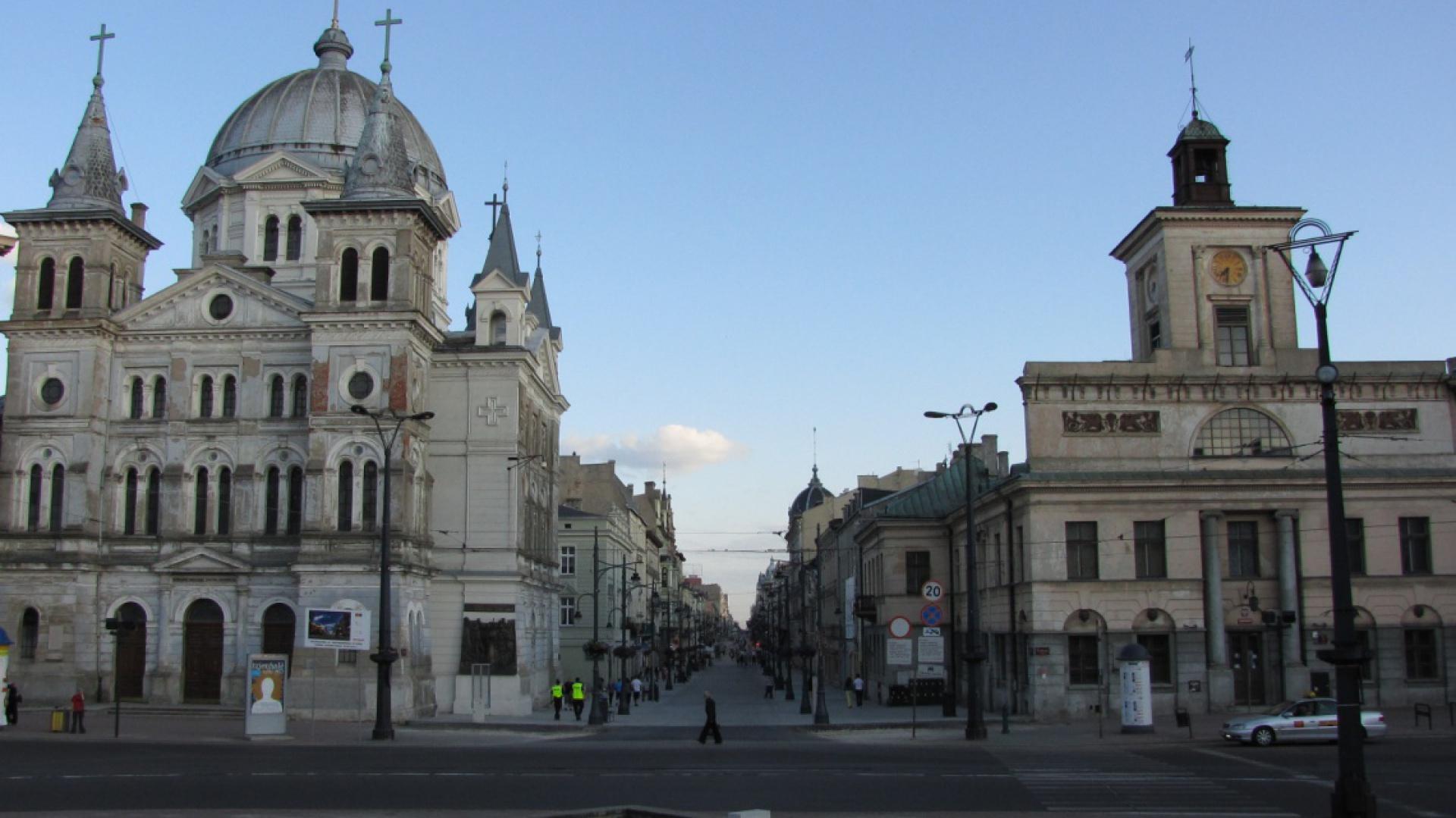 Kościół przy pl. Wolności jeszcze przed remontem, autor: Marcin Polak, źródło: flickr.com (CC BY 2.0)