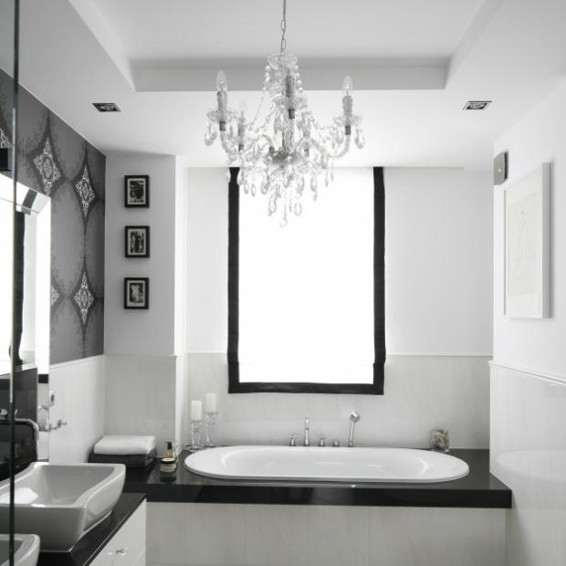 Urządzamy łazienkę w stylu glamour