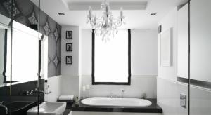 Łazienka w stylu glamour to temat budzący spore kontrowersje. Dla jednych estetyka glamour to uosobienie elegancji, dla innych - synonim kiczu. Jaka jest prawda?