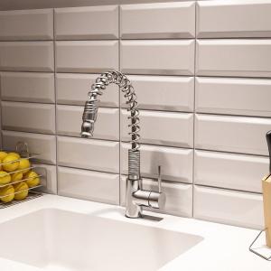 Mała kuchnia: funkcjonalna strefa zmywania. Fot. Grupa Armatura.