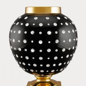 Waza ceramiczna z kryształkami Swarovskiego. Fot. Ahura