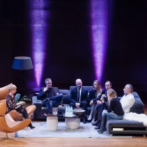 Forum Dobrego Designu 2016 - dyskusja inauguracyjna prowadzona przez dziennikarkę telewizyjną Urszulę Chincz.  Fot. Paweł Pawłowski.