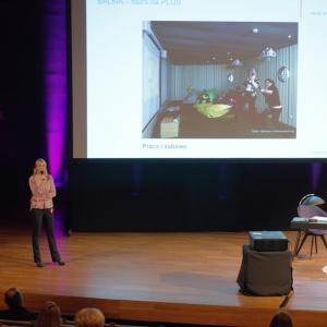 O kolekcji mebli biurowych Plus mówiła Anna Śmieszek-Markuszewska, dyrektor ds marketingu w firmie Balma. Fot. Piotr Waniorek.