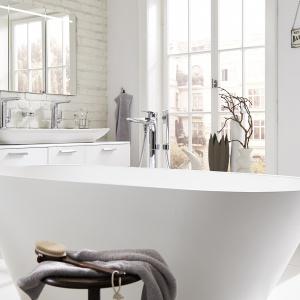 Przestrzen łazienki. Wyróżnienie - Wanna owalna wolno stojąca Vigour White/Vigour Gmbh