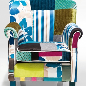 Kolorowy fotel Patchwork Stripes, fot. Kare Design