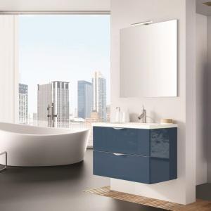 Ciemny niebieski dobrze sprawdzi się w roli akcentu kolorystycznego w łazience. Fot. Elita