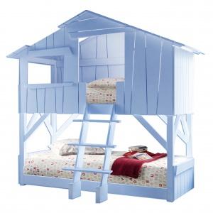 Domek TREEHOUSE to w rzeczywistości łóżko. Zapewni komfortowy wypoczynek i pobudzi dzieci do kreatywnej zabawy we własnym pokoju. Ok. 12.500 zł. Fot. Mathy by bols