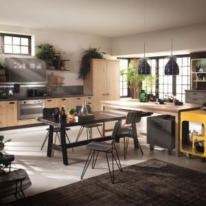 DIESEL SOCIAL KITCHEN to całkiem nowa koncepcja przestrzeni kuchennej, będącej niepowtarzalnym miejscem stworzonym do gotowania z przyjaciółmi. Fot. Scavolini