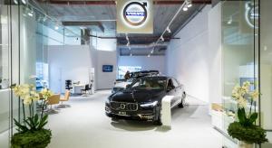 Firma Karlik i marka Volvo otworzyła nowy projekt w przestrzeniach poznańskiego Starego Browaru. Tym razem klienci będą mieli okazję poznać skandynawską markę w eleganckim showroomie. Autorami projektu showroom w Starym Browarze jest kreatywny tea