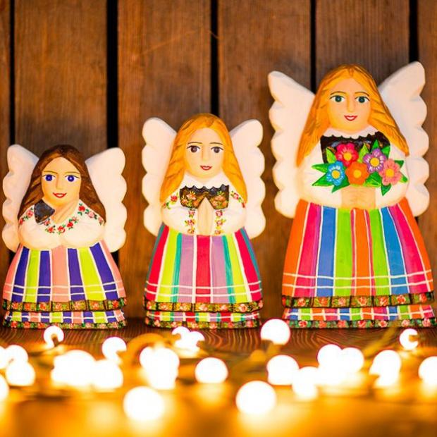 Dom na święta: piękne dekoracje w stylu folk