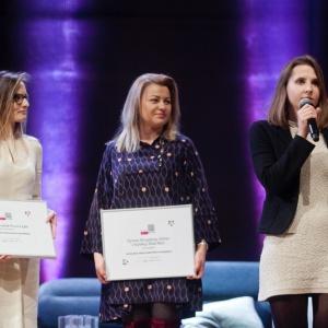 Nagrodę główną w kategorii Przestrzeń Pokoju Dziennego zdobyła firma Olta za Stolik Six.  Nagrodę odebrała Klaudia Zawistowska  - manager marki Olta. Fot. Paweł Pawłowski/PTWP.