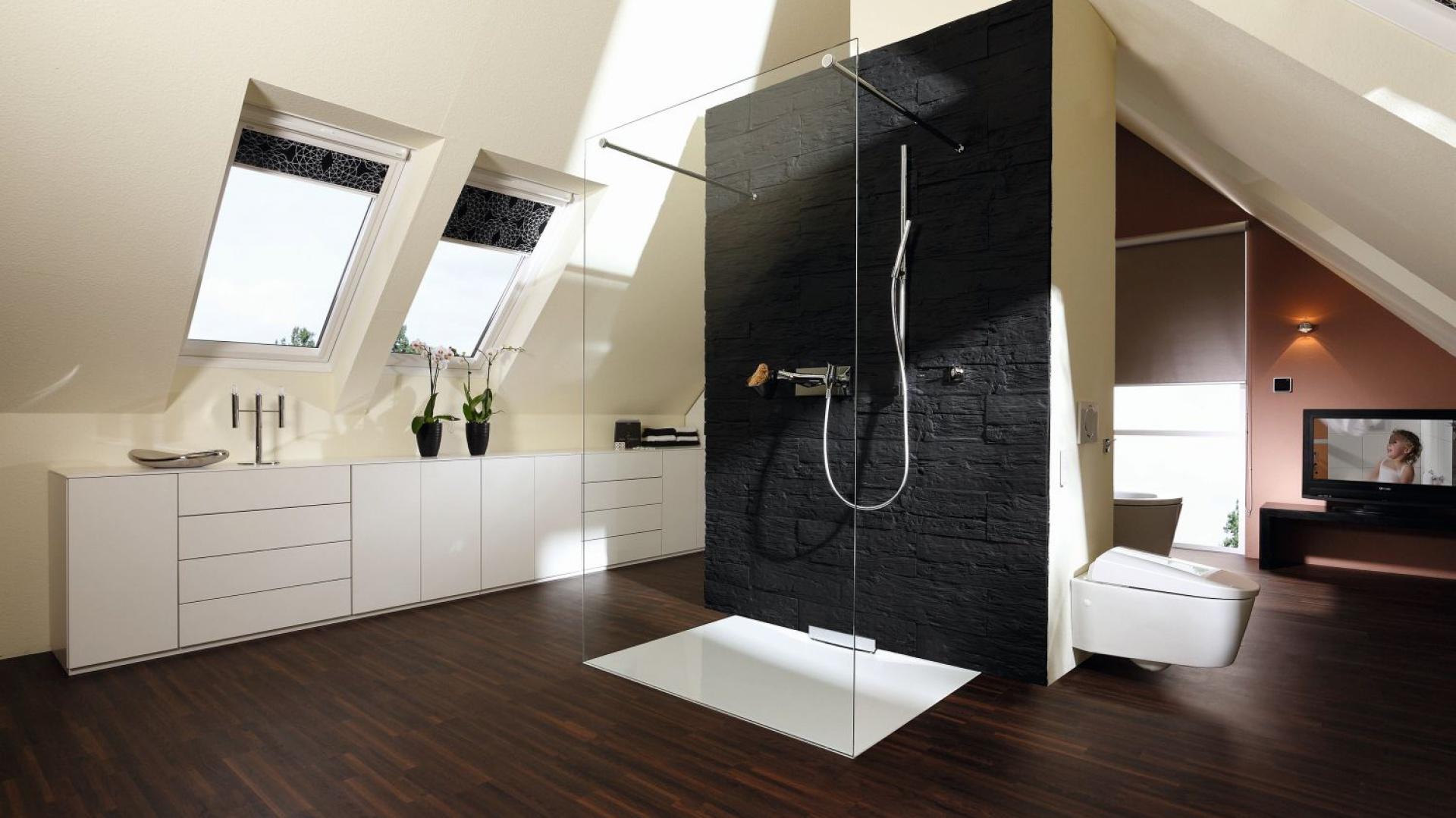 Pokój kąpielowy na poddaszu...  Łazienka – aranżacje, projekty  Strona: 2