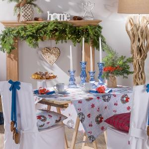 Obrus z kolekcji CHRISTMAS utrzymany w świątecznej kolorystyce stanie się pięknym tłem dla aranżacji stołu. Od 94 zł. Fot. Dekoria