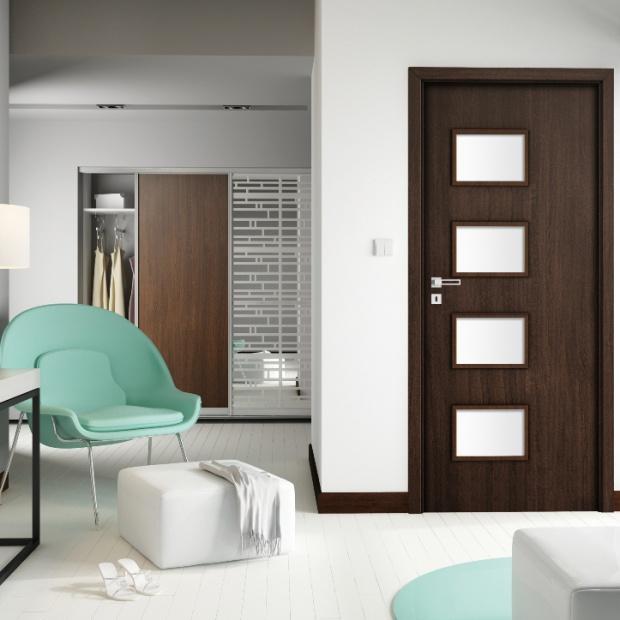 Nowoczesne drzwi z dużymi przeszkleniami