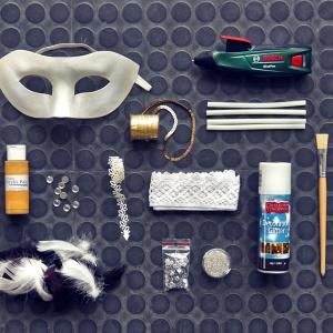 Zrób to sam: elegancka maska na Sylwestra  i karnawał. Fot. Bosch