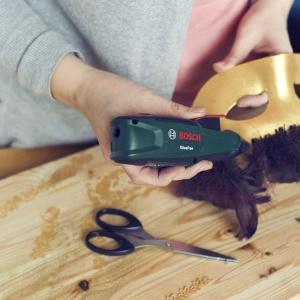Zrób to sam: elegancka maska na Sylwestra  i karnawał - krok 8. Fot. Bosch