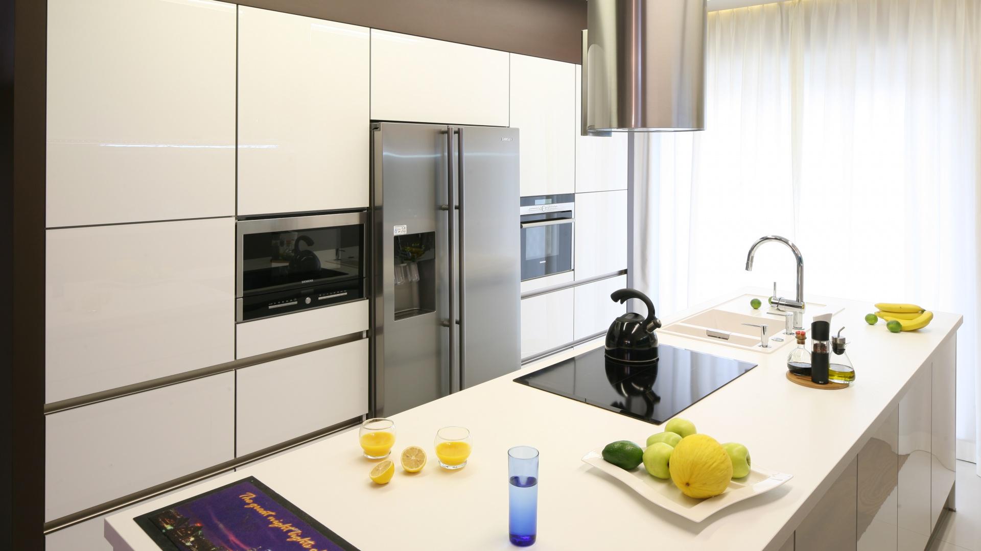 Modna kuchnia: pomysły na strefę zmywania. Projekt: Chantal Springer. Fot. Bartosz Jarosz