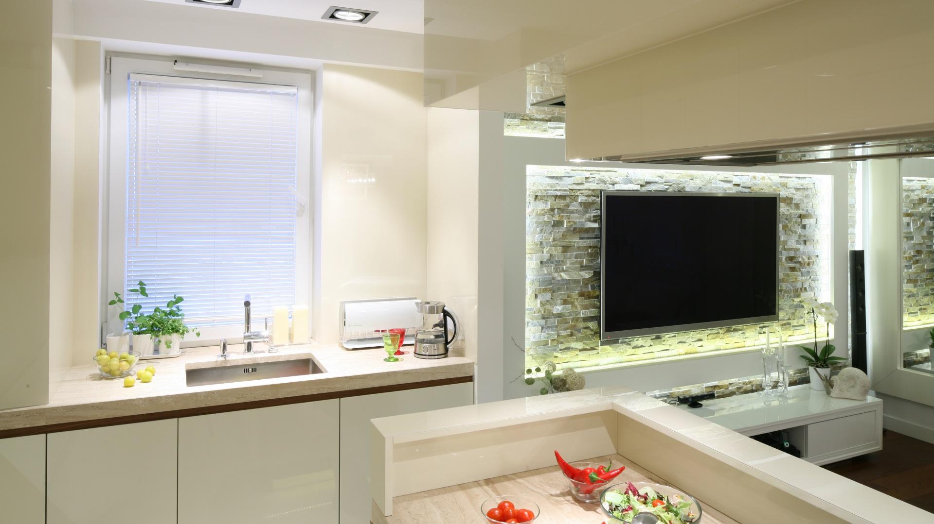 Modna kuchnia: pomysły na strefę zmywania. Projekt: Małgorzata Mazur. Fot. Bartosz Jarosz