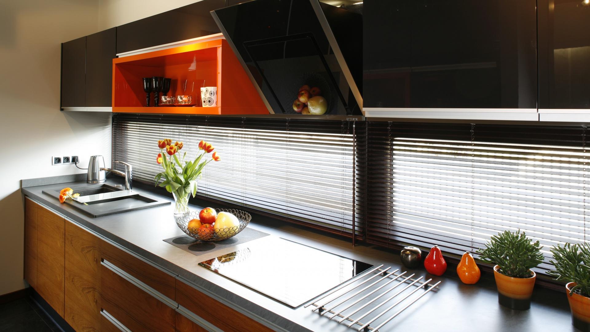Modna kuchnia: pomysły na strefę zmywania. Projekt: Anna Grunner. Fot. Bartosz Jarosz