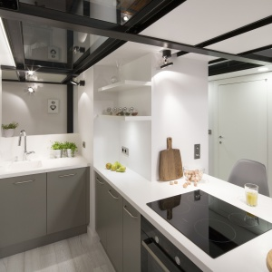 Oświetlenie w kuchni. Projekt: Nowa Papiernia. Fot. Bartosz Jarosz