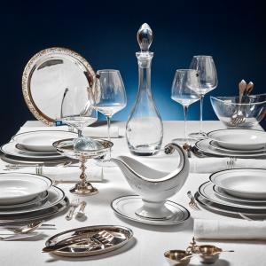 Sylwestrowa dekoracja stołu. Fot. Hefra