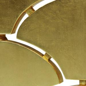 Parawan Ostentation dekorowany płatkami złota i zielonym marmurem. Fot. Memoir