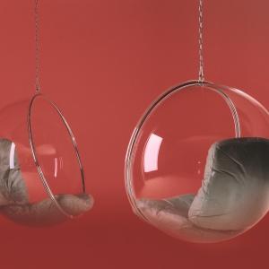 BUBBLE CHAIR (proj. Eero Aarnioto) to kultowy fotel-huśtawka. Kulisty kształt zapewnia oryginalny, futurystyczny charakter. Fot. Adelta