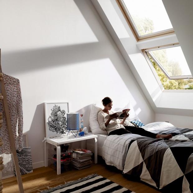 Urządzamy sypialnię: jakie okna wybrać?
