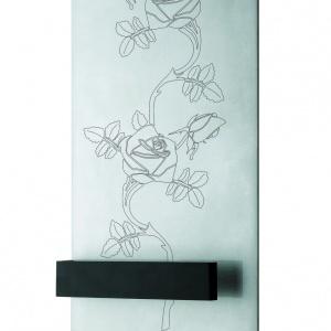Grzejnik z pięknym florystycznym grawerem to model Rose B. Fot. Ridea