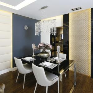 Wnętrze miało być urządzony nowocześnie, a jednocześnie bardzo elegancko, w stylu ekskluzywnych londyńskich apartamentów. Projekt: arch. Agnieszka Hajads-Obajtek. Zdjęcia: Bartosz Jarosz