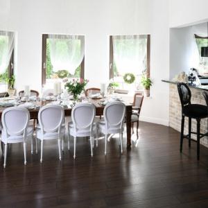 Piękna jadalnia w klasycznym stylu. Projekt: Magdalena Konochowicz. Fot. Bartosz Jarosz