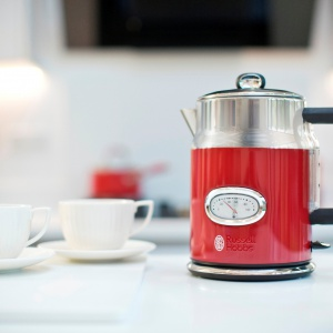 Czajnik Ribbon Red. Russel Hobbs