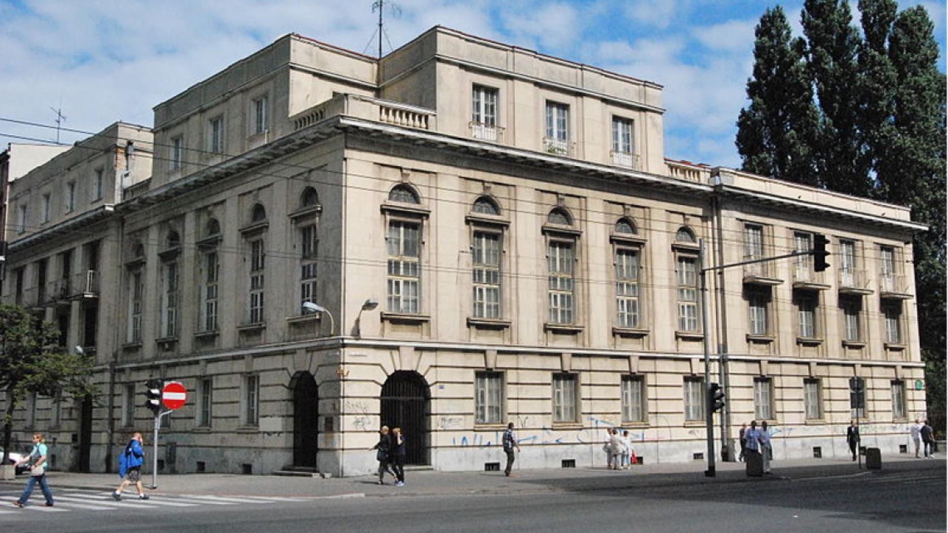Gmach dawnego Banku Polskiego w Gdyni. Fot: KristofferS, wikimedia.org, licencja: Creative Commons Attribution-Share Alike 3.0 (CC-BY-SA 3.0)