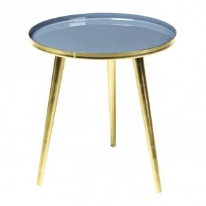 Malowane na kolor mosiądzu nóżki stolika JELVA uzupełnia blat w niebieskim kolorze. Ok. 728 zł. Fot. Broste Copenhagen
