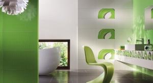 Jeśli chcemy, aby w naszym domu sięzazieleniło, wystarczy wybrać soczystozielone płytki lub dekory do łazienki. Jeśli wolimy bardziej stonowane aranżacje możemy postawić na wyraziste zielone akcesoria - najmodniejsze w tym sezonie.