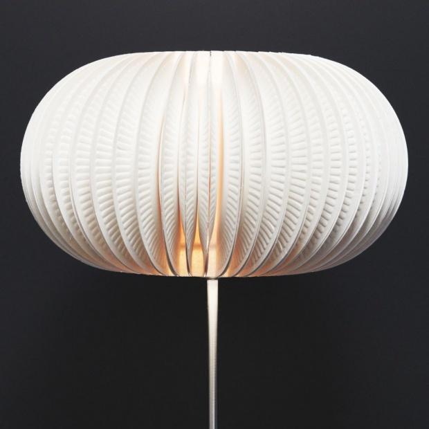 Lampa z papierowych talerzyków - modna i niepowtarzalna