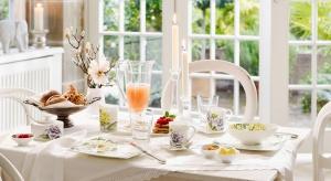 Szukasz pomysłu na wyjątkową aranżację stołu? Piękna porcelanadoda jej odświętnego charakteru.