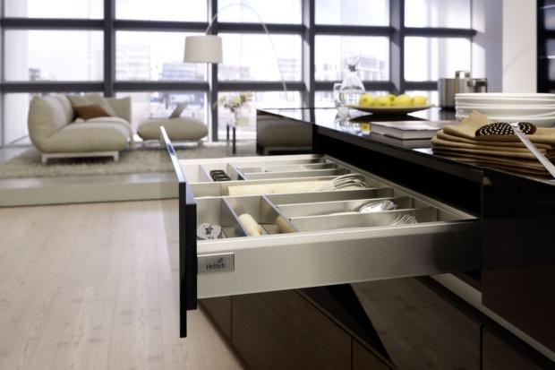 Organizacja w kuchni - wykorzystaj niską szufladę