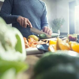 Nawet jeśli nie jesteś fanem święta zakochanych, z pewnością znajdziesz inny pretekst do zjedzenia dobrej kolacji w zaciszu własnego domu. Fot. Philips