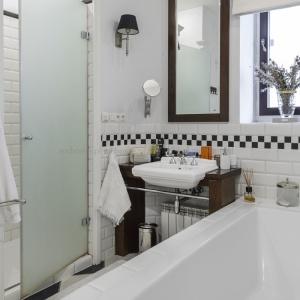 Łazienka w stylu nowojorskim. Fot. Modern Classic Home