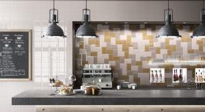 Płytki imitujące kafle o szkliwionej powierzchni przeżywają obecnie prawdziwy renesans. To jedne z najmodniejszych materiałów na ściany kuchni.
