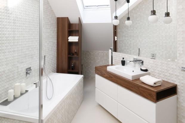 Nowoczesna łazienka - 10 projektów w bieli i szarościach