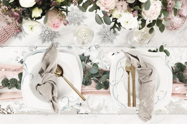 Piękna porcelana - aranżacja stołu w zimowym klimacie