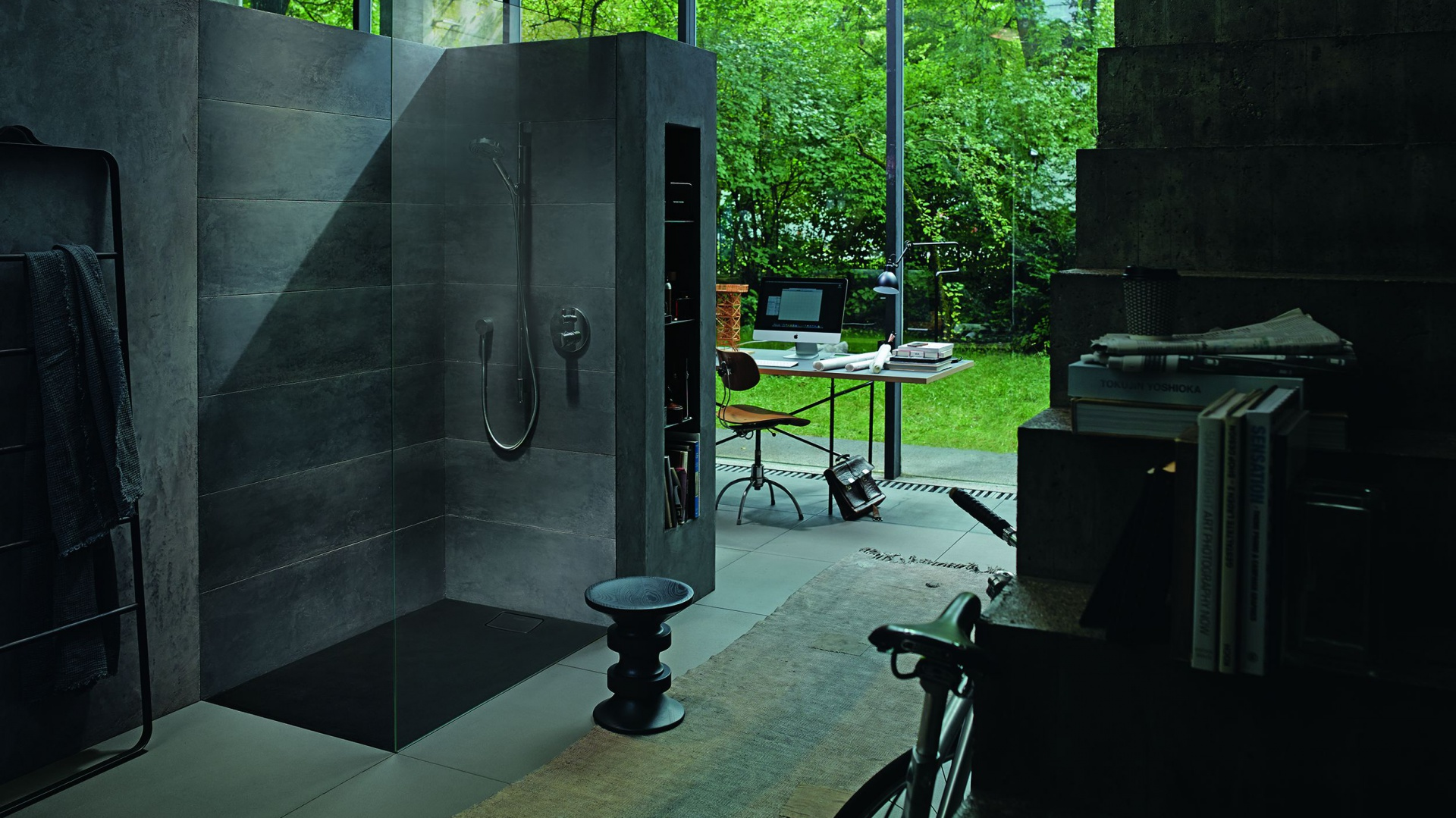 Bezpieczna i funkcjonalna łazienka. Brodzik Stonetto. Fot. Duravit.jpg