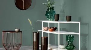 Przy użyciu materiałów takich jak lastryko, terakota, drewno, szkło, kryształ i utlenionego mosiądzu powstała wyjątkowa kolekcja wiosennych dodatków.