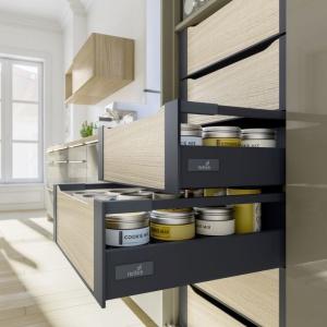 Praktyczne szuflady kuchenne. Fot. Hettich