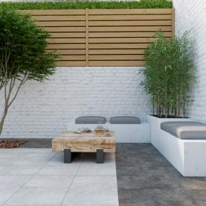 Jeśli nie mamy ochoty na wymagający impregnacji klasyczny beton architektoniczny, wybierzmy tańsze i łatwiejsze w eksploatacji płytki ceramiczne, które wiernie go odwzorowują. Fot. Cersanit