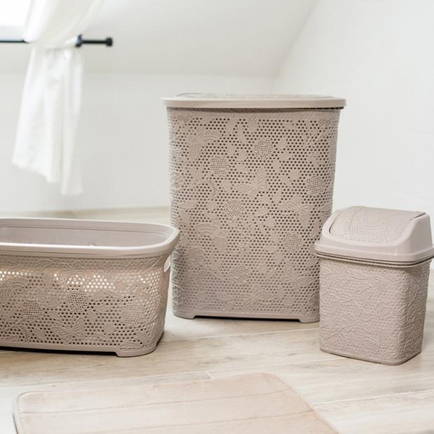 Akcesoria do łazienki – praktyczne kosze i koszyki