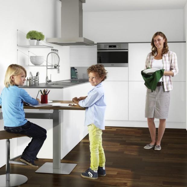 Jadalnia w małej kuchni: tak możesz ją urządzić