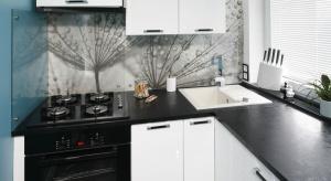 Tradycyjne płytki czy tapeta? A może kamień, cegła, beton lubszkło? Sprawdźcie, jakie pomysły na dekorację ściany nad blatem w kuchni mają Polacy.